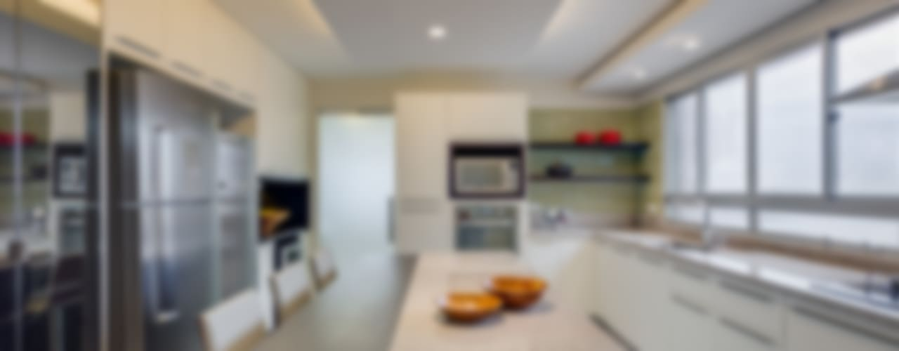 Moderne Küchen von Alexandre Mandarino Arquiteto Modern
