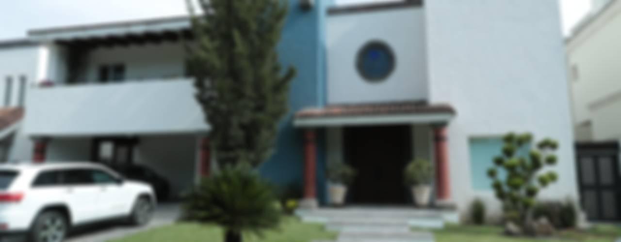 01: Casas unifamiliares de estilo  por Tierra Fría