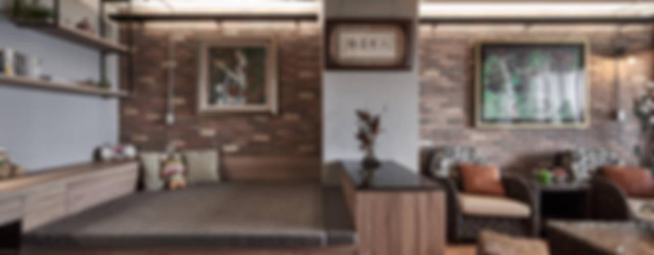 礁溪溫泉度假湯屋:  臥室 by Hi+Design/Interior.Architecture. 寰邑空間設計