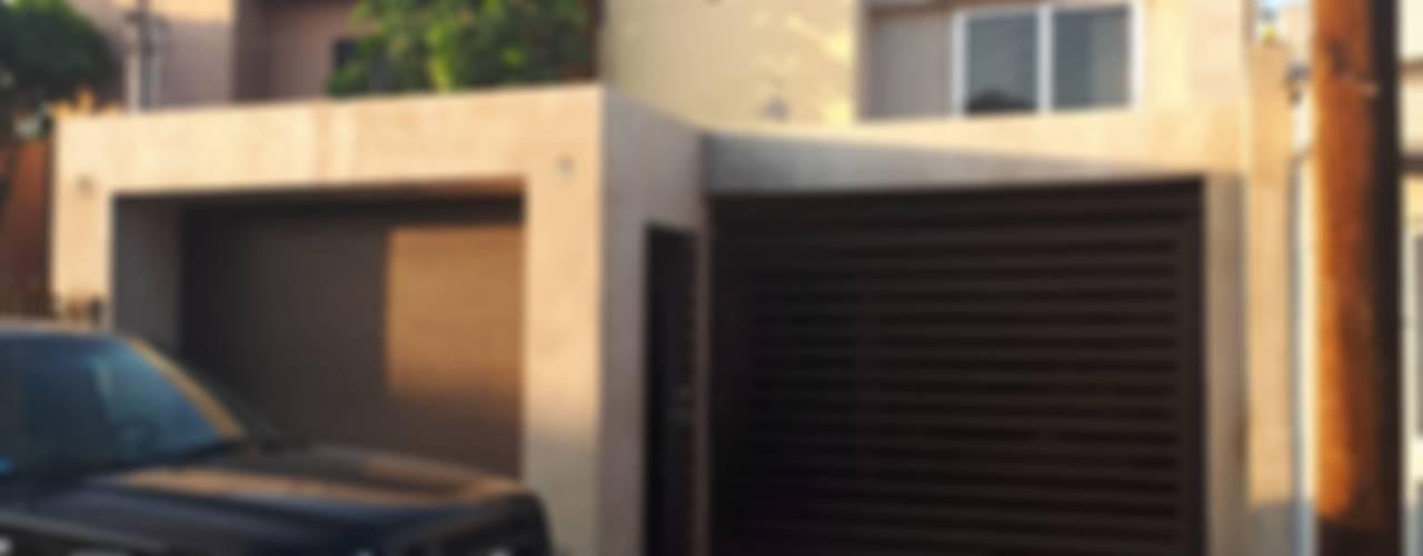 Ampliacion de casa habitacion ARC ARQUITECTURA Casas unifamiliares Concreto reforzado Multicolor