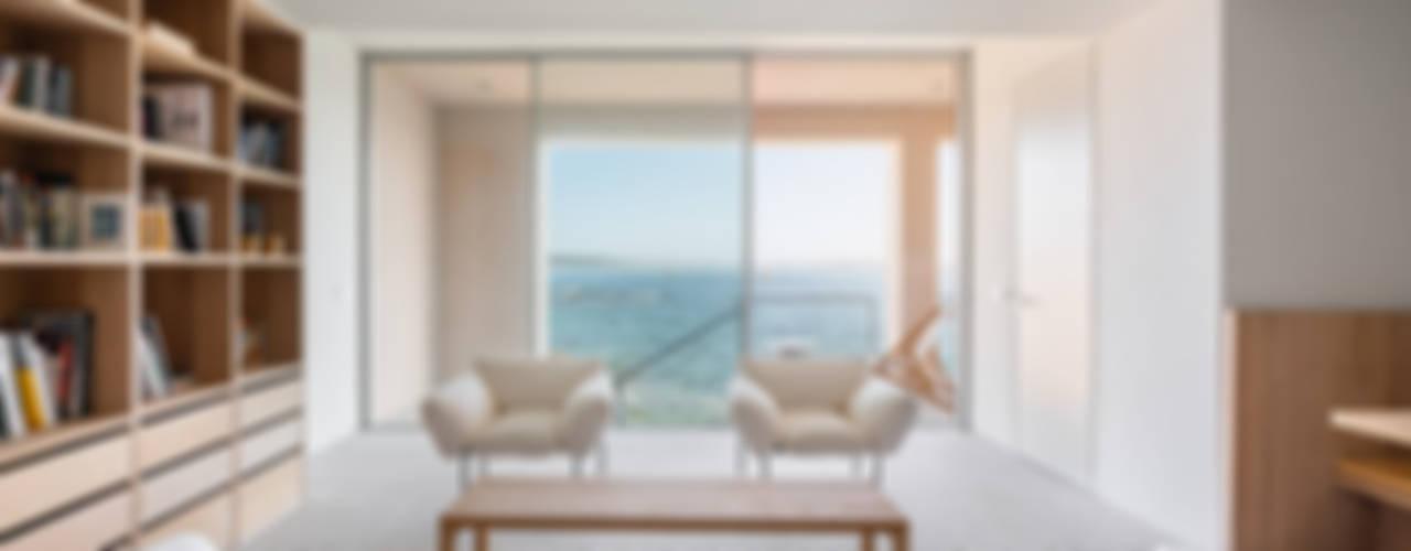 Casa en Corrubedo Mon Osaka Salones de estilo moderno