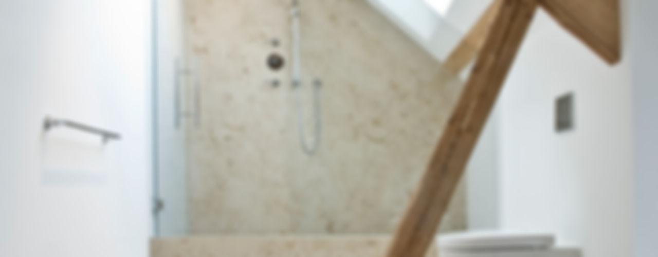 Im denkmalgeschützten Vierkanthof trifft Tradition auf Moderne Pientka - Faszination Naturstein Ausgefallene Badezimmer