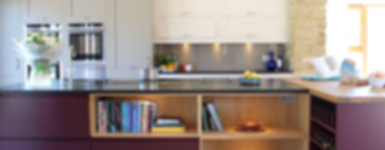 Old-Meets-New Krantz Designs Dapur Modern