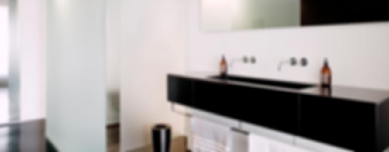 appartement B atelier d'architecture Yvann Pluskwa Bagno minimalista