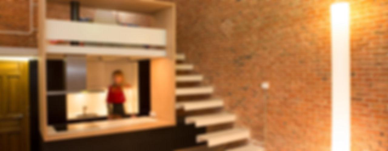 Beriot, Bernardini arquitectos Minimalist corridor, hallway & stairs
