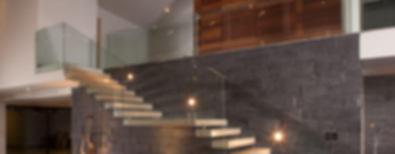 URBN Vestíbulos, pasillos y escalerasEscaleras