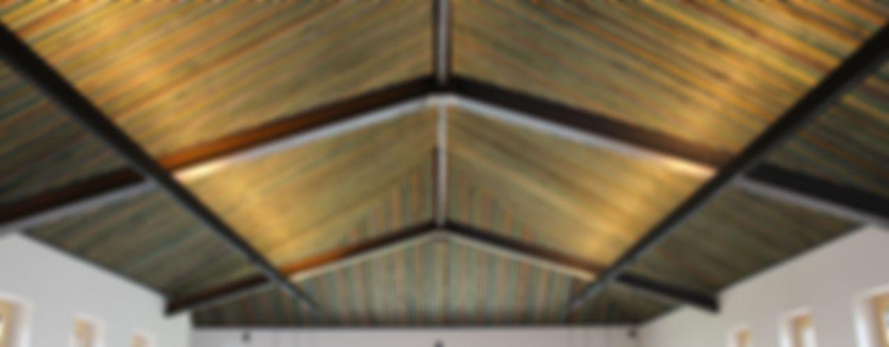 Die Lichtplanung für einen Präsentationsraum im Obergeschoss des Neubaus ausgeführt Lichtlandschaften Ausgefallene Veranstaltungsorte Holz