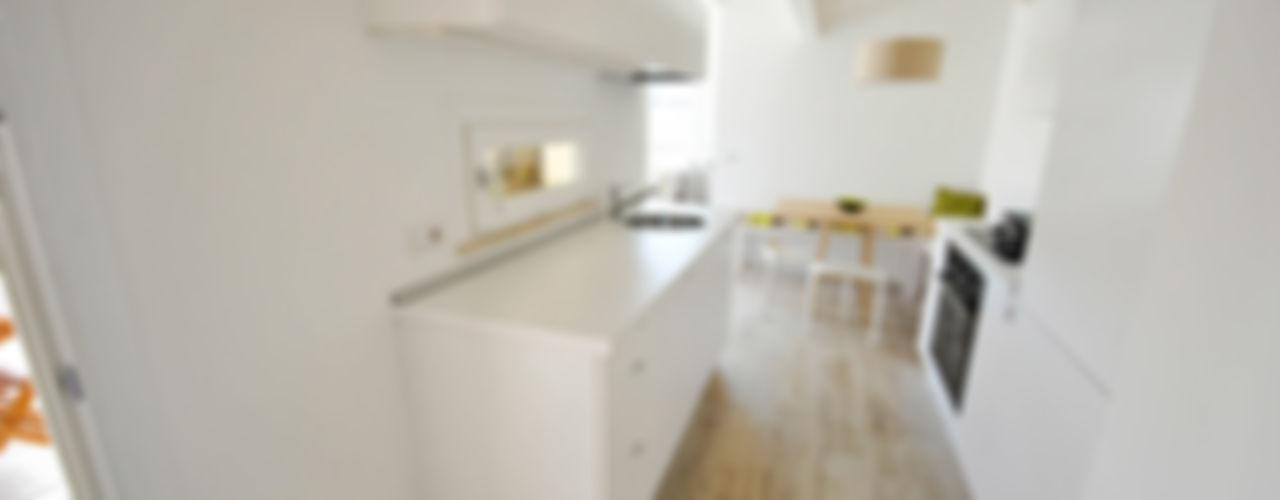 Formaementis Cocinas de estilo minimalista