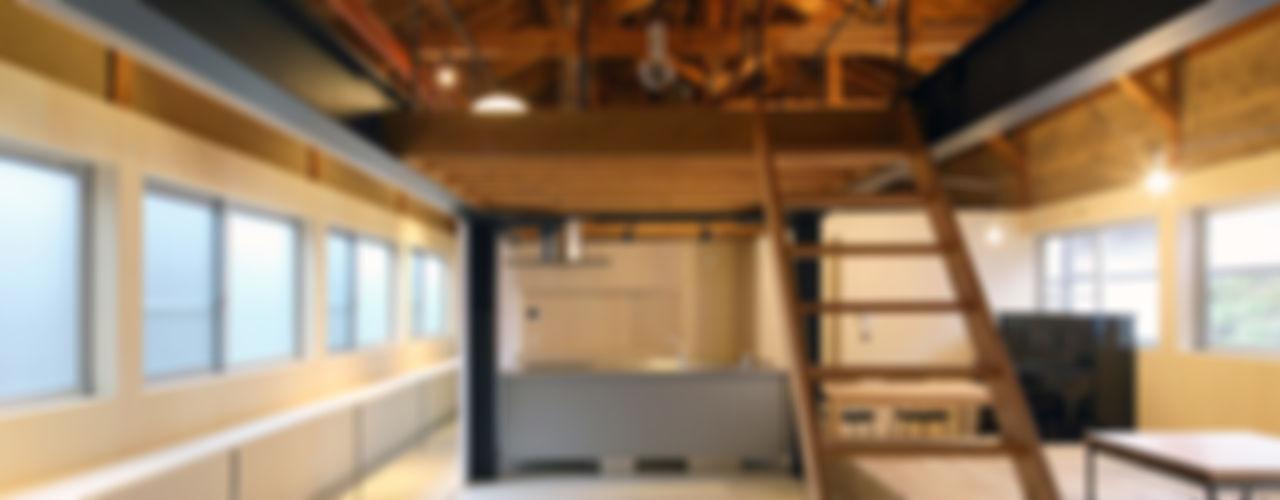 京丹後のリノベーション ARCHIXXX眞野サトル建築デザイン室 モダンデザインの ダイニング