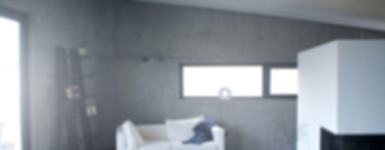 Neubau WOHNHAUS di architekturbüro Minimalistische Wohnzimmer