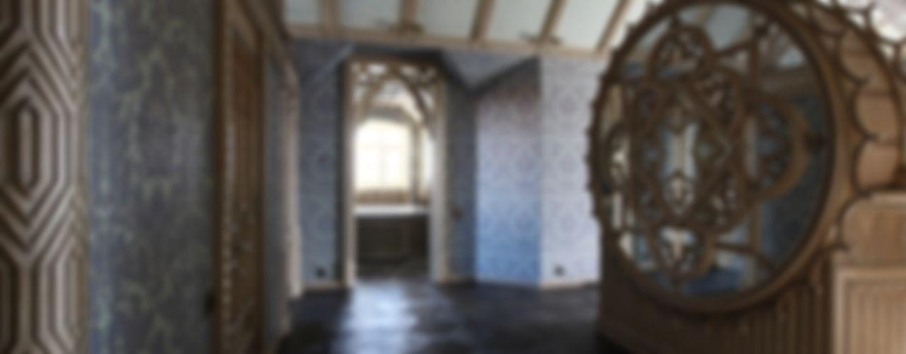 Студия Анны Куликовой и Павла Миронова Corridor, hallway & stairsAccessories & decoration