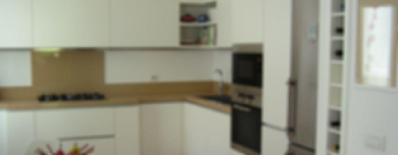 Una casa per 5 Arch. Silvana Citterio Cucina moderna