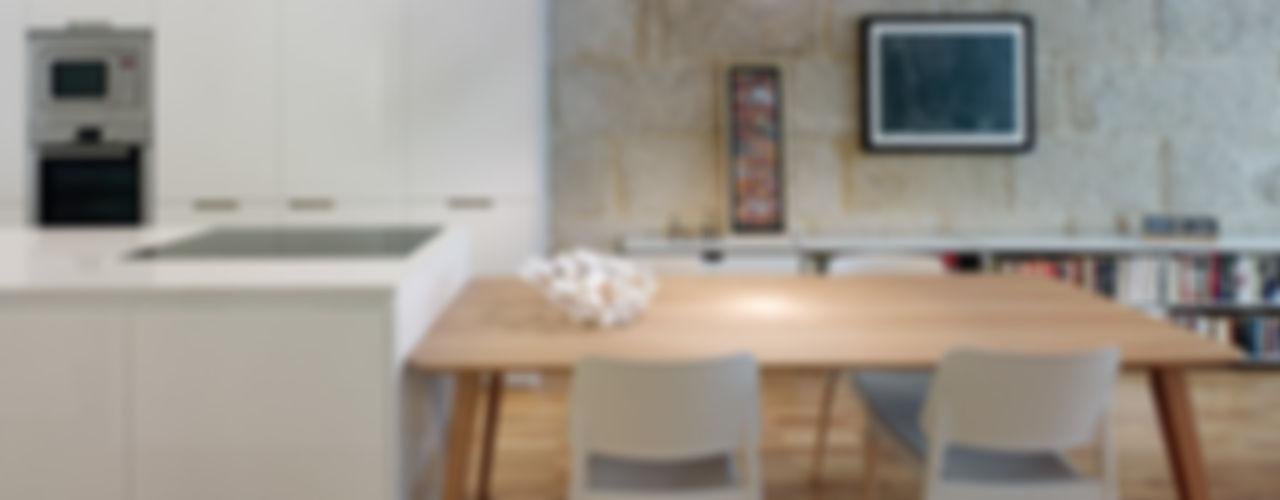 Castroferro Arquitectos Sala da pranzo moderna
