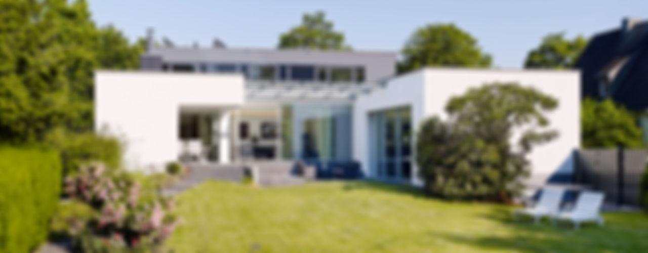 Atriumhaus im Grünen Gritzmann Architekten Minimalistische Häuser