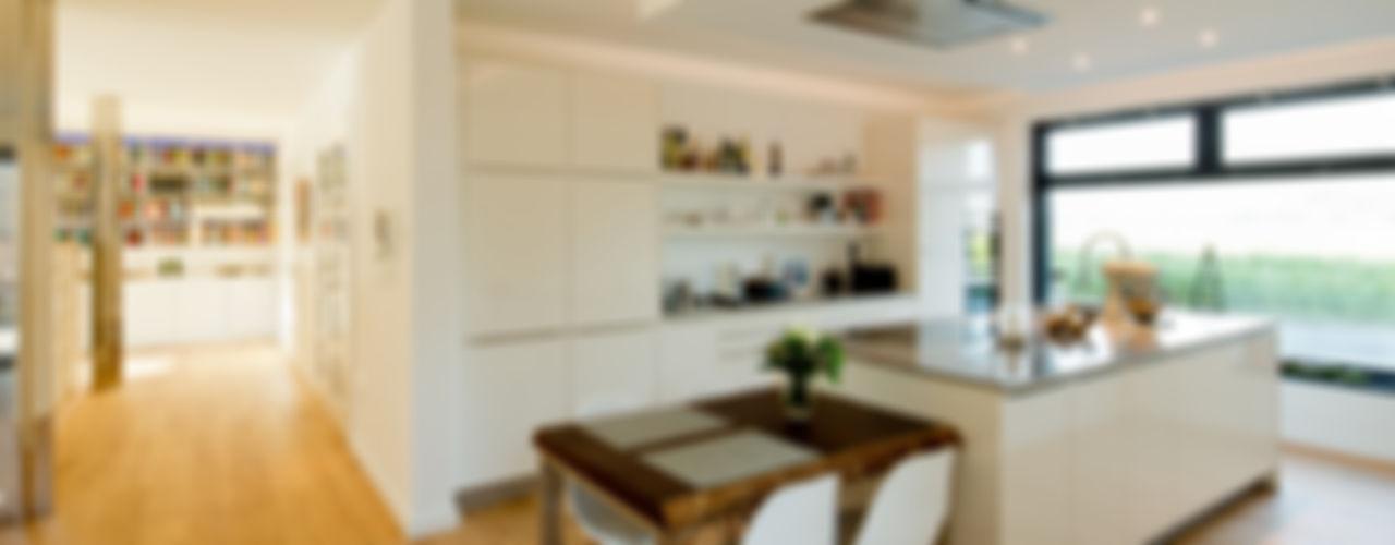 Haus S Ferreira | Verfürth Architekten Moderne Küchen