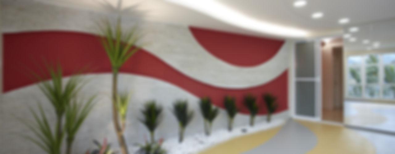 homify Modern walls & floors