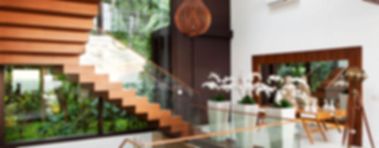 Infinity Spaces Couloir, entrée, escaliers modernes