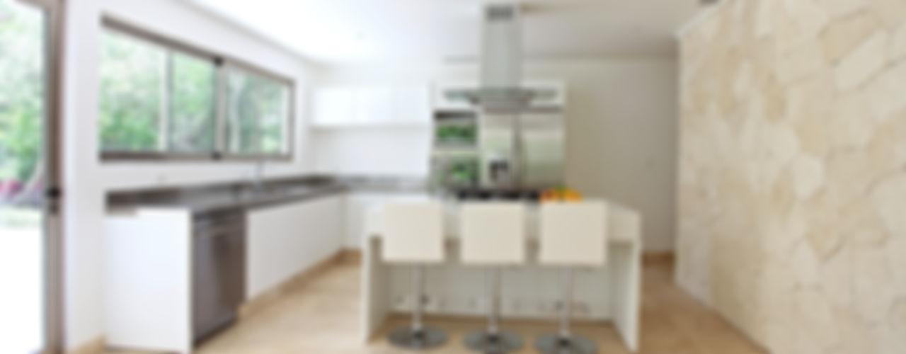 Enrique Cabrera Arquitecto Cocinas modernas: Ideas, imágenes y decoración