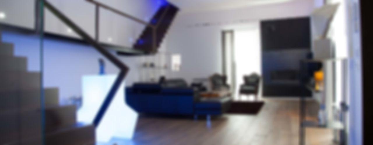 7 levels G/G associati studio di ingegneria e architettura _ing.r.guglielmi_arch.a.grossi Soggiorno minimalista
