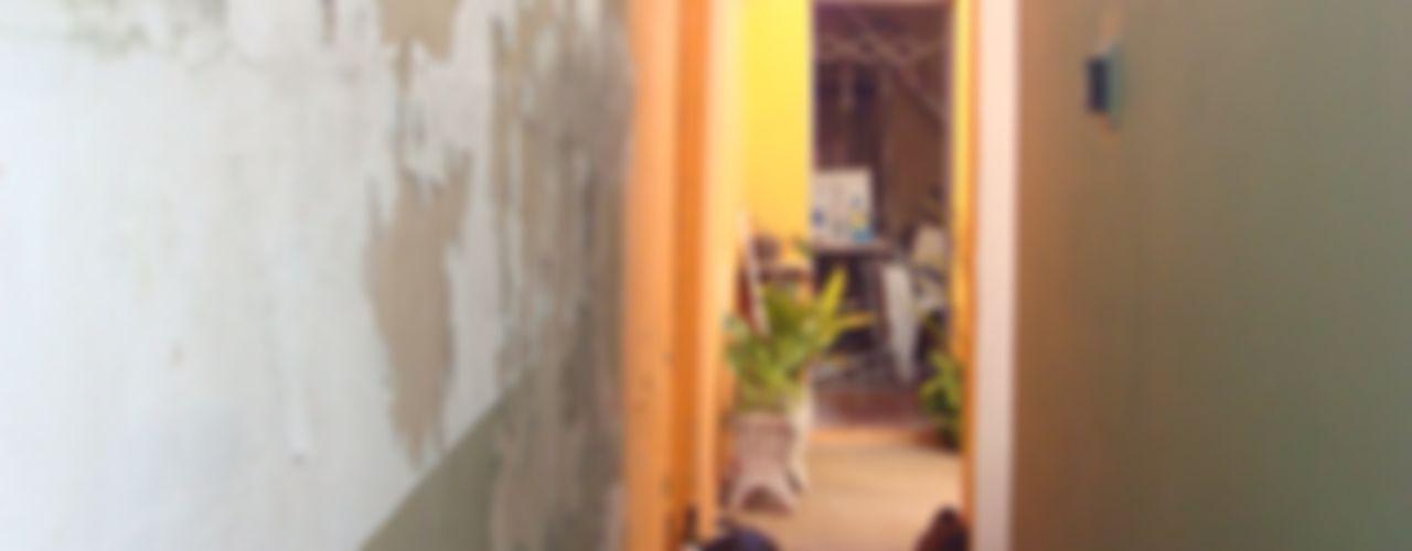 homify Pasillos, vestíbulos y escaleras rurales