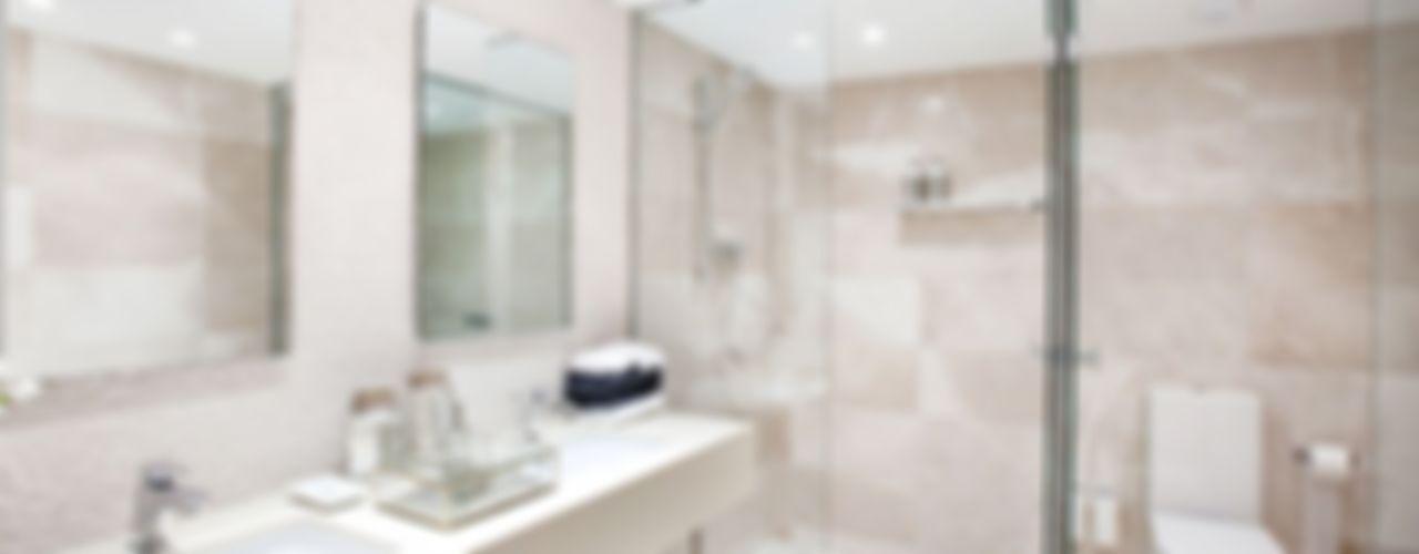 INEDIT INTERIORISTAS Classic style bathroom Beige