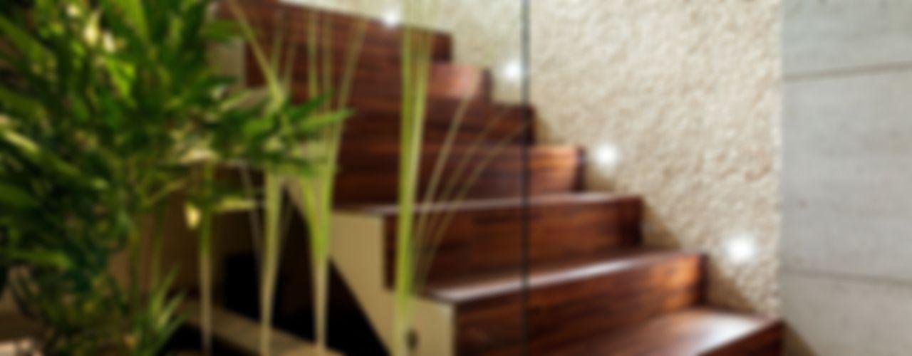 Showroom Venturi Home Solutions, Łódź Venturi Home Solutions Nowoczesny korytarz, przedpokój i schody