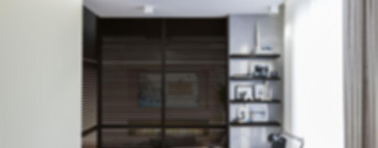 INTERIERIUM Camera da letto minimalista