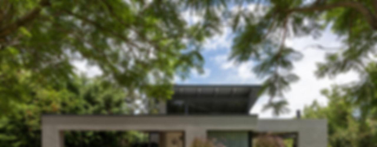 ARRILLAGA&PAROLA Casas de estilo moderno