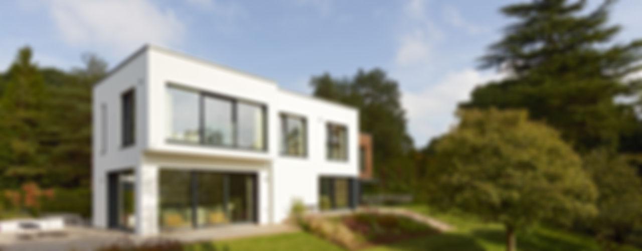 Modern Home Crichton Baufritz (UK) Ltd. Дома в стиле модерн