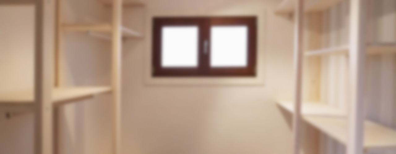Cabina Armadio Contesini Studio & Bottega Spogliatoio in stile scandinavo Legno massello Effetto legno