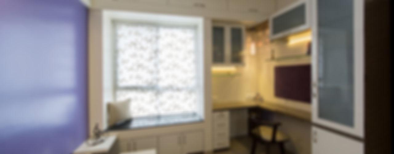 Navmiti Designs Puertas y ventanas modernas