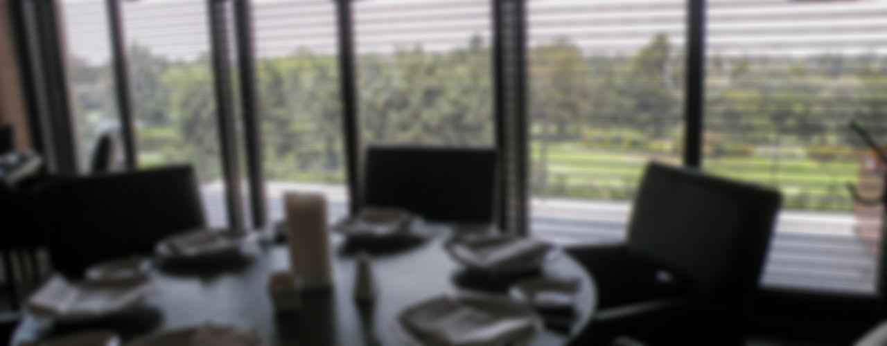homify Windows & doors Blinds & shutters Aluminium/Zinc Brown