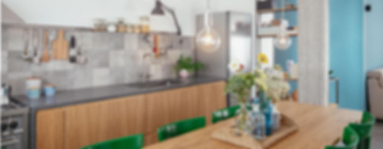 Casa Ca_Sa manuarino architettura design comunicazione Sala da pranzo in stile industriale Legno Verde