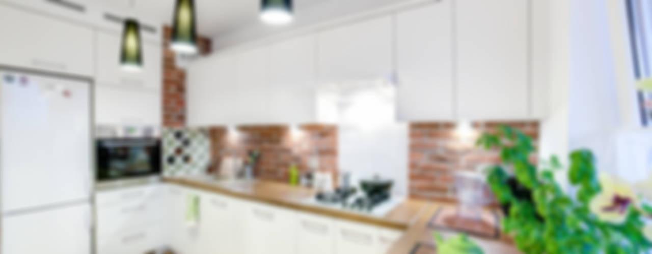 mieszkanie na Felinie Lublin: styl translation missing: pl.style.kuchnia.rustykalny, w kategorii Kuchnia zaprojektowany przez Auraprojekt