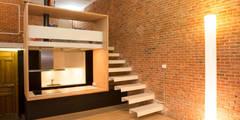 Loft ANDRÉS BORREGO. Madrid: Pasillos, vestíbulos y escaleras de estilo minimalista de Beriot, Bernardini arquitectos