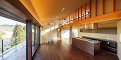 modern Living room by 傳寶慶子建築研究所