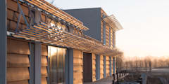 Solar House: industrial Houses by Facit Homes