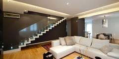 Salas / recibidores de estilo minimalista por SANSON ARCHITETTI