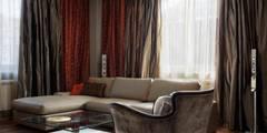 Московская квартира в облаках.: Гостиная в . Автор – Ожогин Сергей
