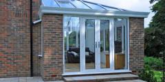 Aluminium Garden Room: modern Conservatory by ROCOCO
