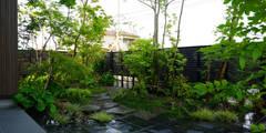 緑をくぐる出迎えの庭 2011~: にわいろSTYLEが手掛けた庭です。