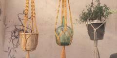 Cuelgatiestos macramé.:  de estilo  de Meublé