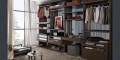 Walk-in-wardrobe:   by Lamco Design LTD