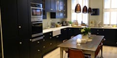 Townhouse in Henley on Thames: eclectic Kitchen by adventures in living