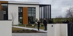 pendant le tournage de la Maison France 5: Maisons de style de style Minimaliste par Emilie Bigorne, architecte d'intérieur CFAI