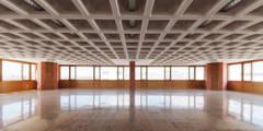 : Oficinas y Tiendas de estilo  de HOLEDECK