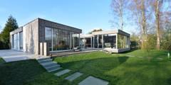 Das Atriumhaus: moderne Häuser von Architekten Spiekermann