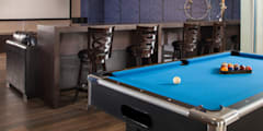 TV Room y Sala de Juegos :  de estilo  por UNUO Interiorismo