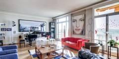 Appartement parisien: Salon de style de style Moderne par Meero