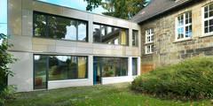 """""""Goldstück"""" - Kindergarten in Wuppertal, Energetische Sanierung einer Kindertagesstätte :  Schulen von insa4 ingenieure  sachverständige  architekten"""